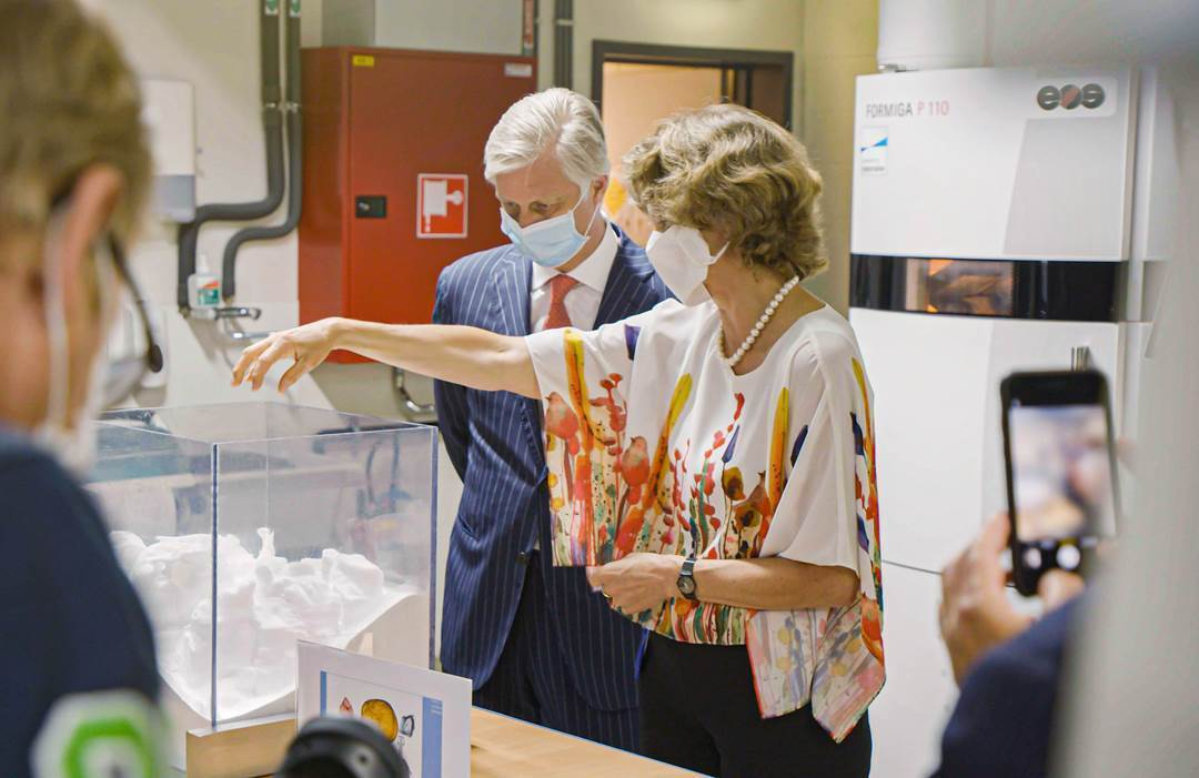 King Philippe of Belgium visited Materialise's Leuven HQ to observe the company's efforts to fight COVID-19. Photo via Materialise.