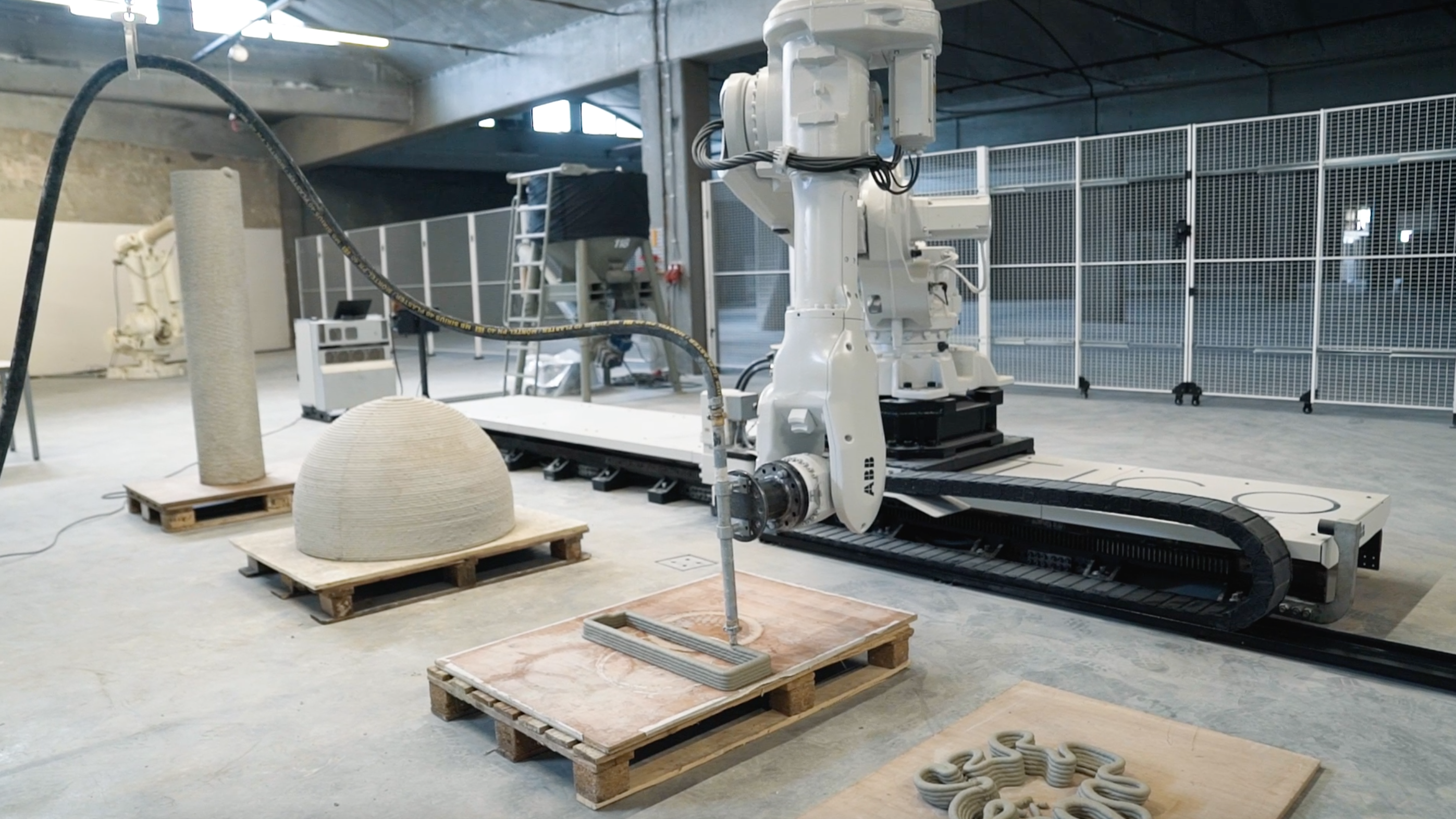 Vertico's specially designed robotic arm operating at the new Eindhoven facility. Image via Vertico.
