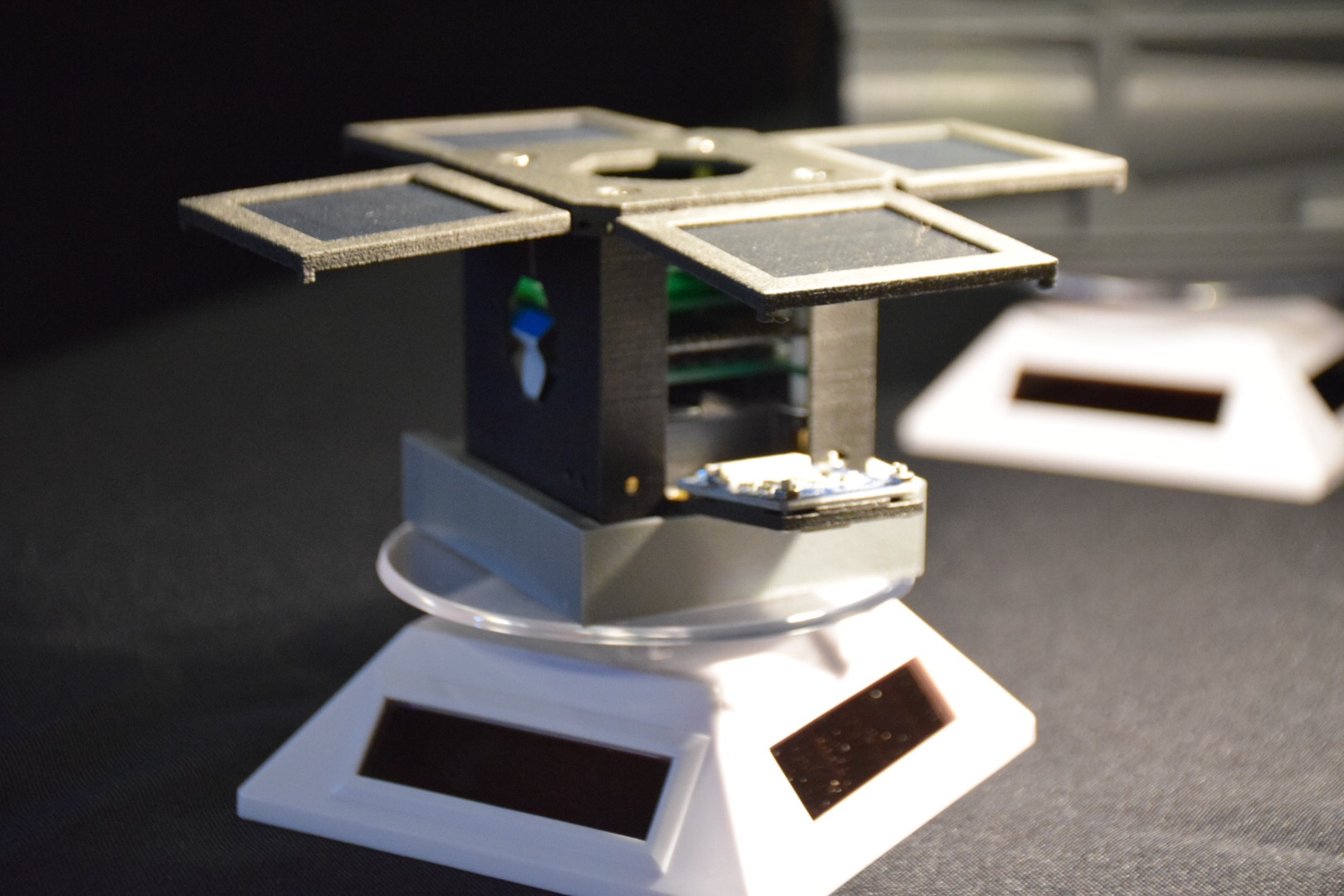Discovery 1a engineering model on display 3rd PocketQube workshop in Glasgow-Scotland. Courtesy of Mini-Cubes.