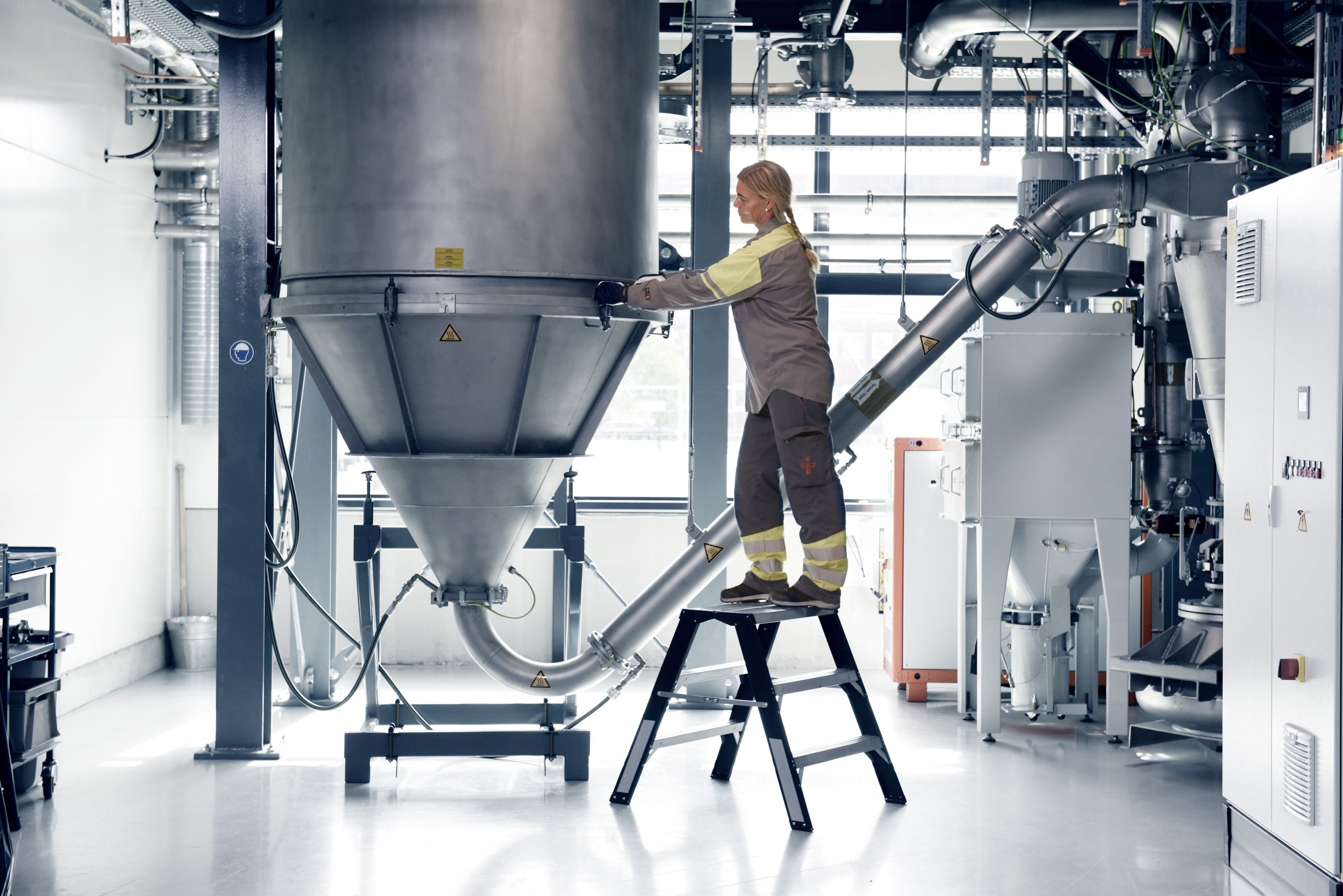 Sandvik agreed to become part of the Beta Partner Program and provide its expertise in 3D printing materials and post-processing methods such as metal cutting, sintering, and heat treatment. Image shows a titanium powder tower. Photo via Sandvik.