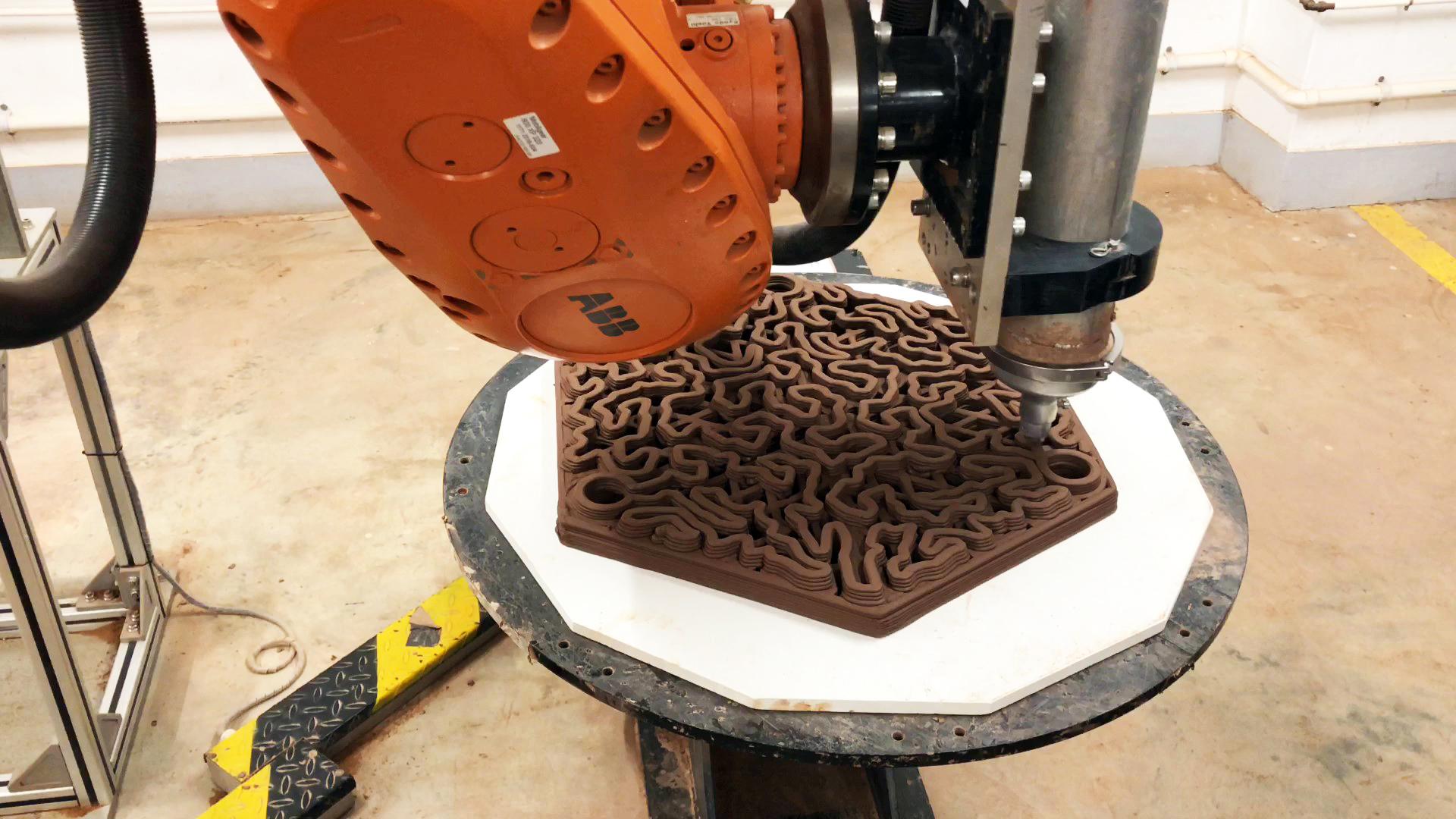 Terracotta tile 3D printed using a 3D Robotic Clay printer. Photo via Hong Kong University.