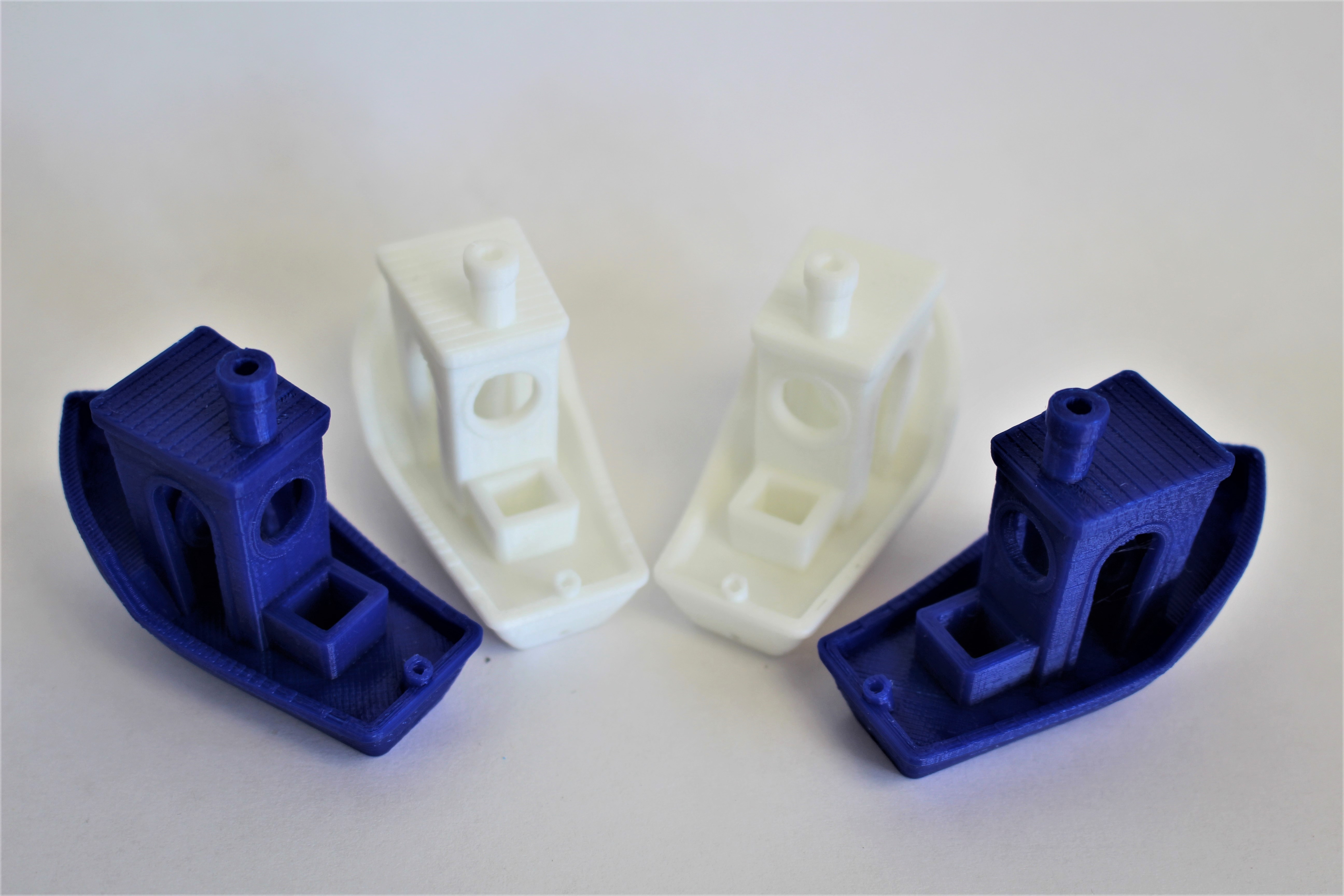 The IDEX benchy fleet. Photo by 3D Printing Industry.