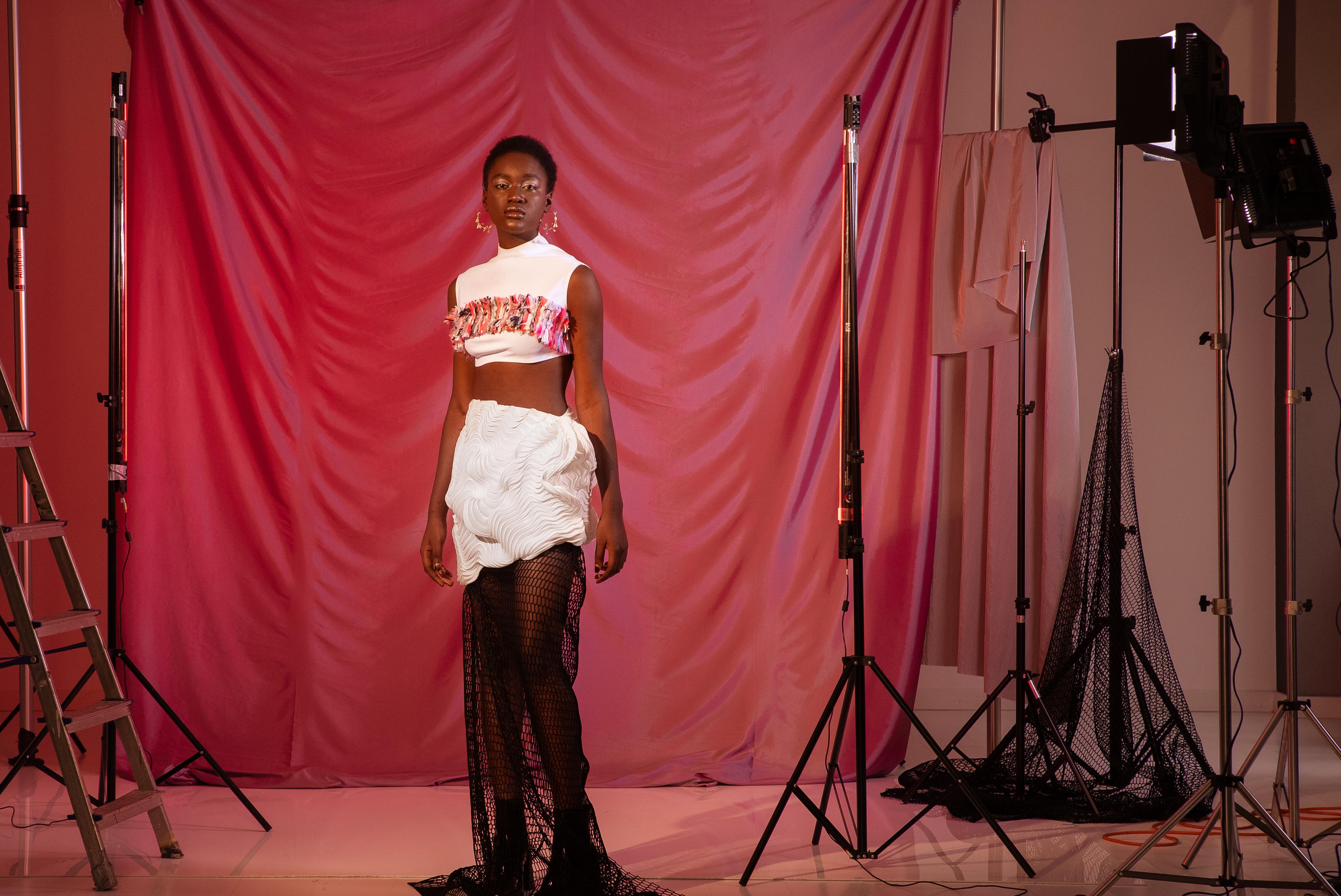 Chiara Giusti použila 3D tlač FDM na vytvorenie svojej rady odevov TECHNĒ pre svoj posledný univerzitný projekt v Politecnico di Milano.  Foto cez Chiaru Giusti.