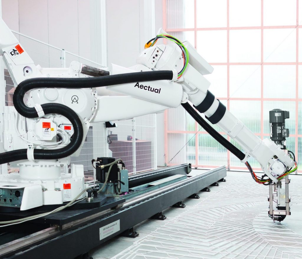 Featured image shows Aectual's XL 3D printing robot. Photo via Aectual.