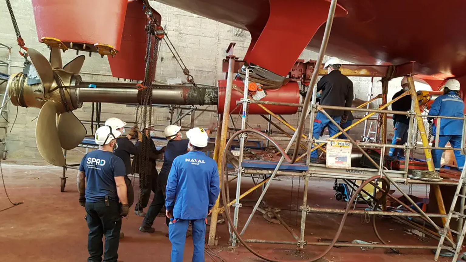 Naval Group mounting the blades onto the Andromède. Photo via Naval Group.