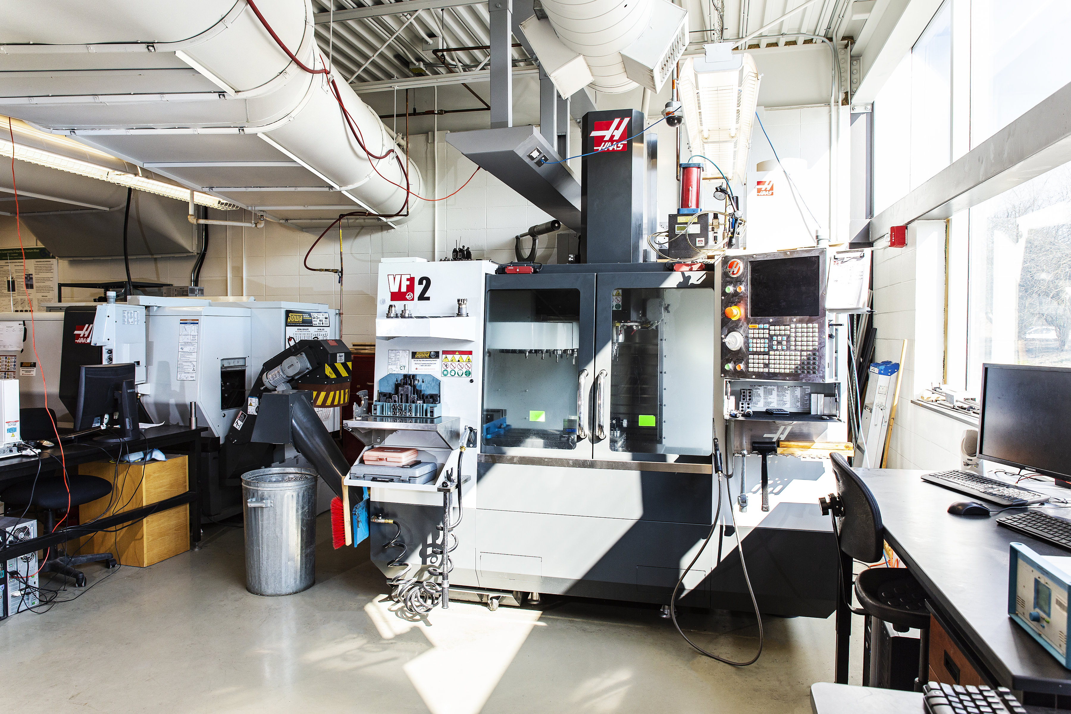 The University of Guelph's Advanced Manufacturing Lab. Photo via University of Guelph.