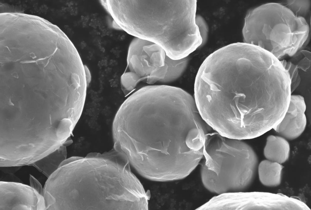 Copper powder coated in graphene. Image via Uppsala University.