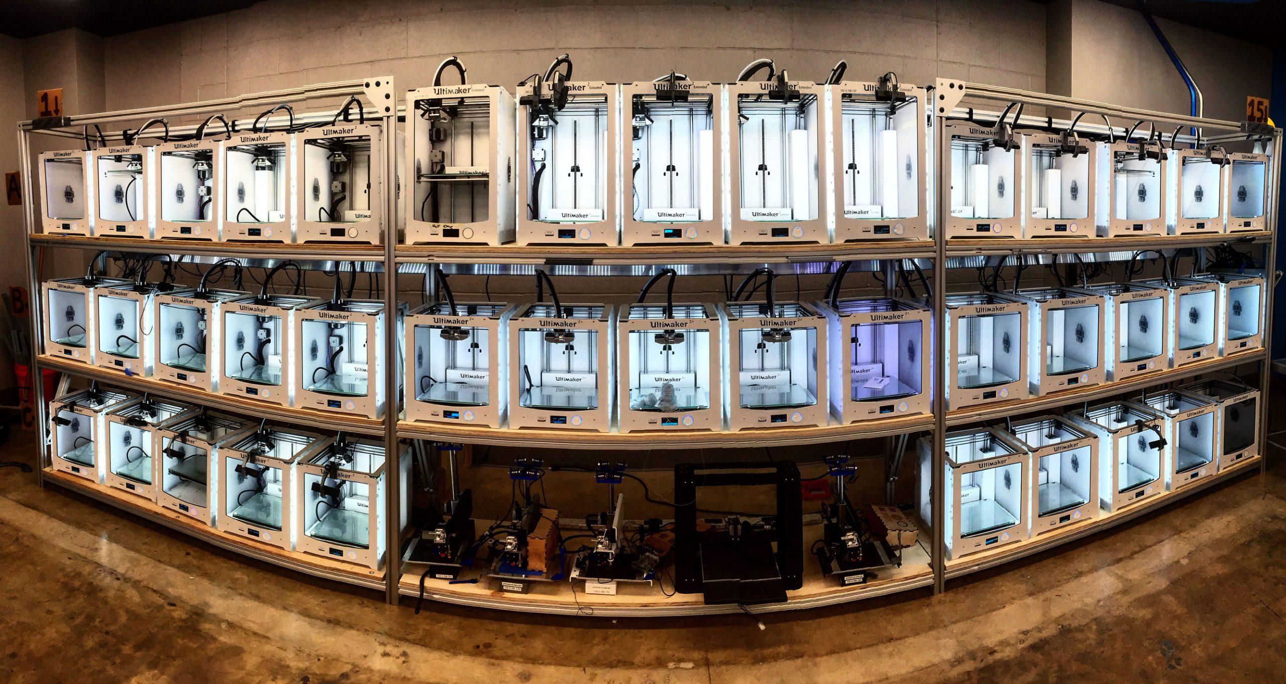 A print lab at Duke University managed by 3DPrinterOS software. Photo via 3DPrinterOS.