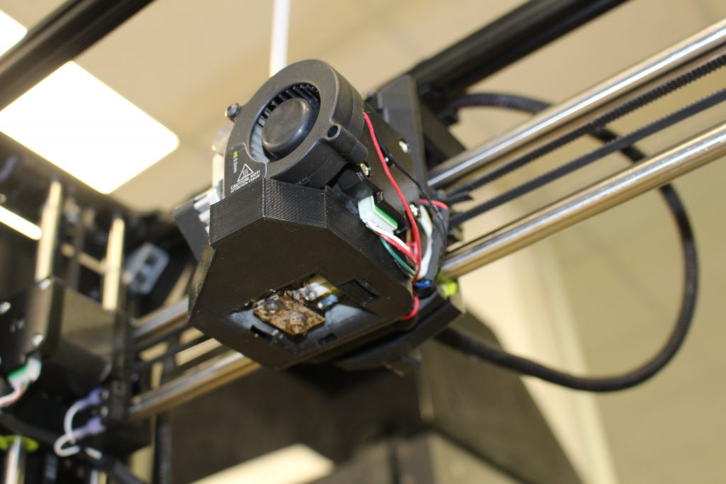 The default SE toolhead can be swapped out for any of the company's other offerings. Photo by 3D Printing Industry.
