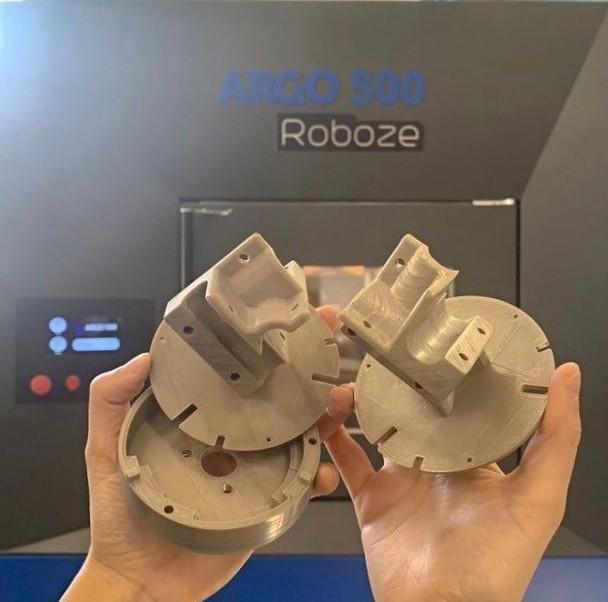 The ROBOZE 3D printed magnetic field sensor holders.