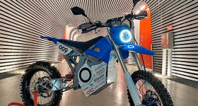 UMDT's electric motorcycle equipped with a 3D printed transmission. Photo via Renishaw.