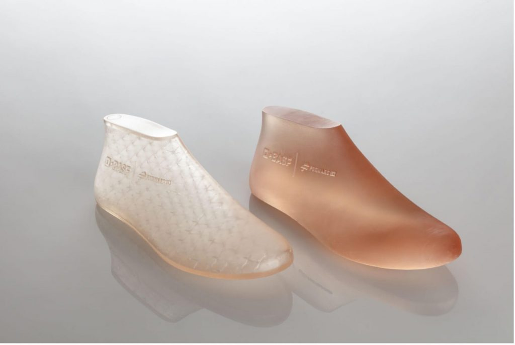 3D printed shoe last variants – hollow vs solid. Photo via BASF Forward AM