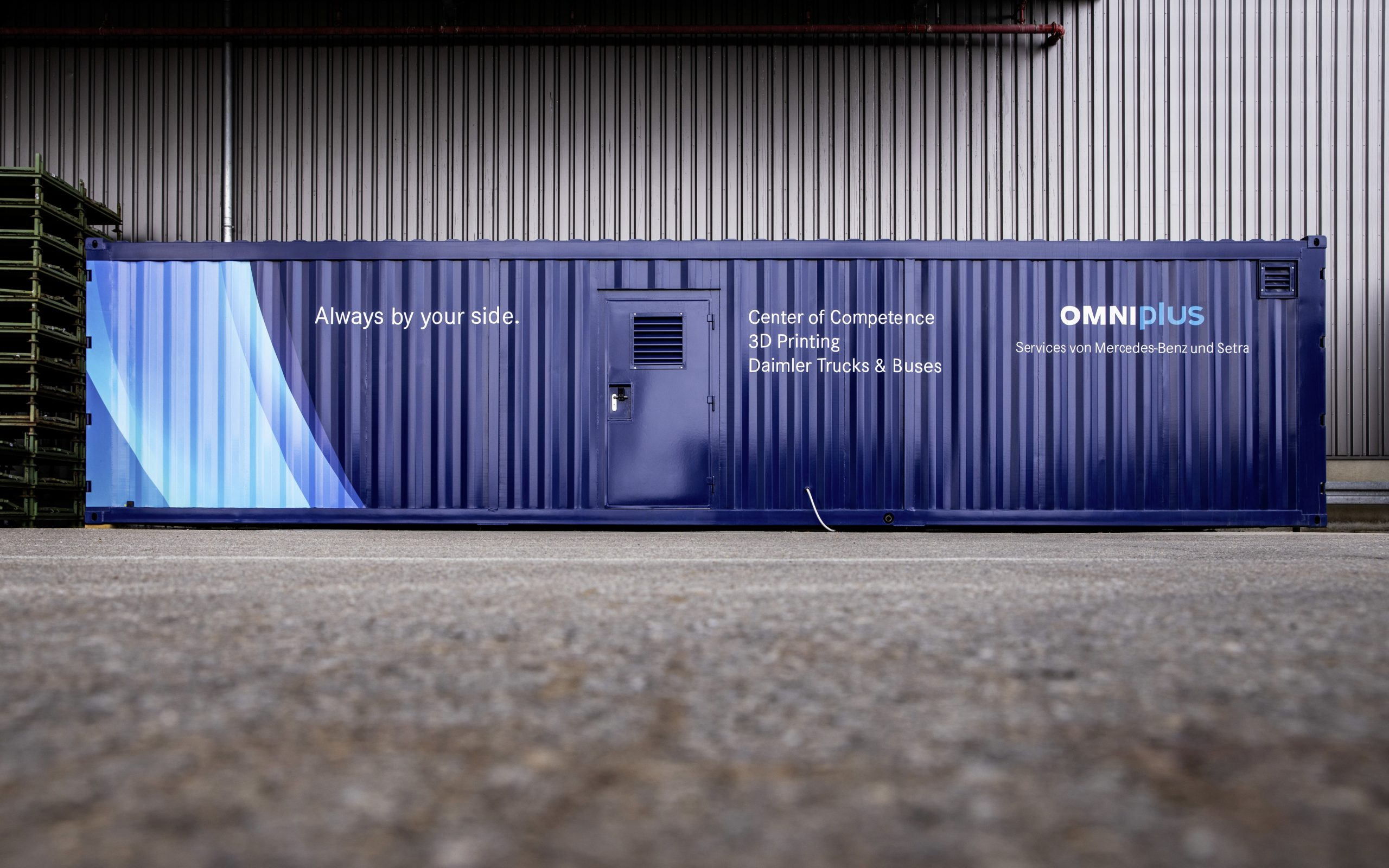 Daimler Buses and its service brand Omniplus have created a mobile printing centre for the decentralised production of 3D printed spare parts in order to be able to provide bus customers with spare parts more quickly. Photo via Daimler.