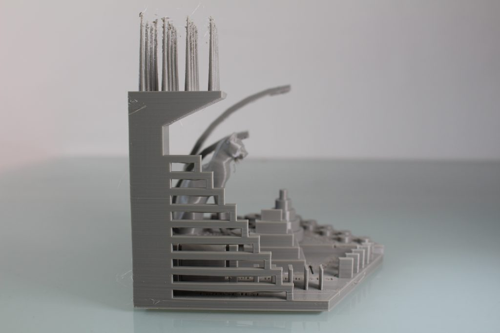 The bridging test. Photo by 3D Printing Industry.