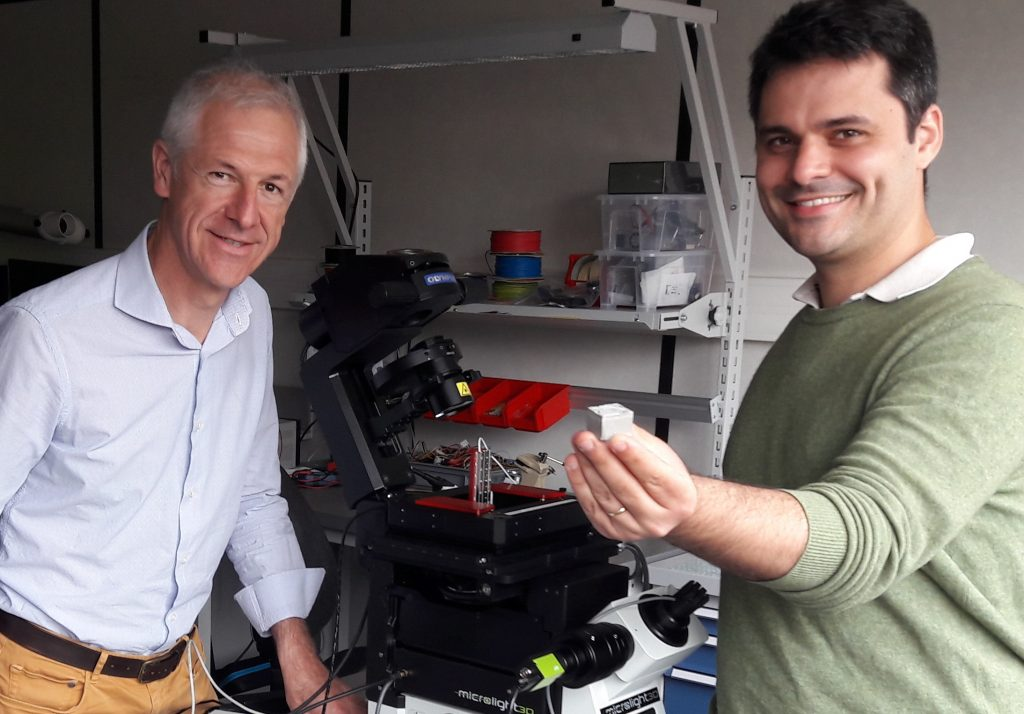 Denis Barbier and Philippe Paliard present the 1st micro-structured concrete sample.