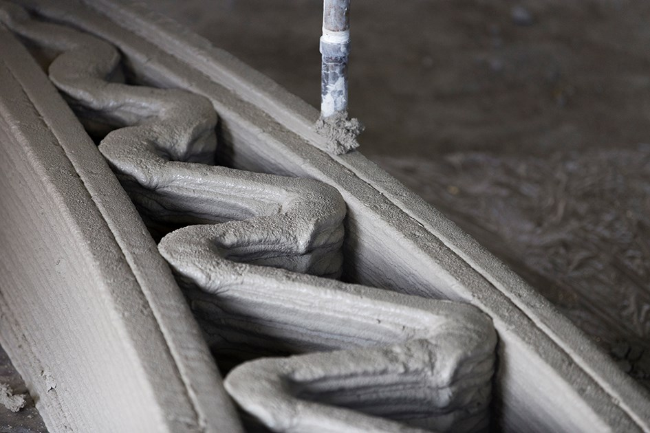 ChangeMaker 3D's concrete 3D printing technology in-action.