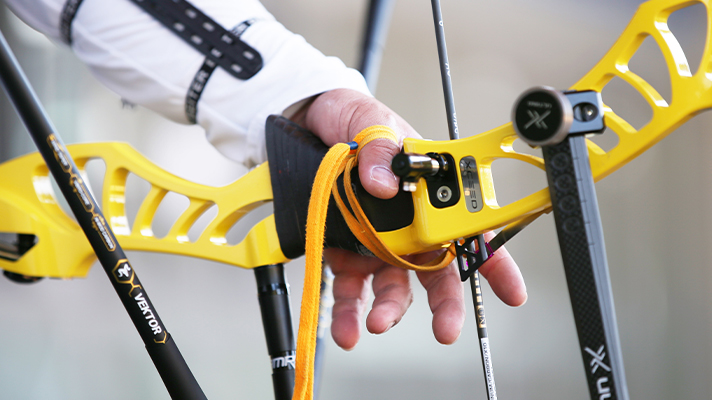 The 3D printed grips attached to the bow vary greatly from player to player, regarding the desired shape and material. Photo via Yoon-Sik Kim / Hyundai Motor Group.