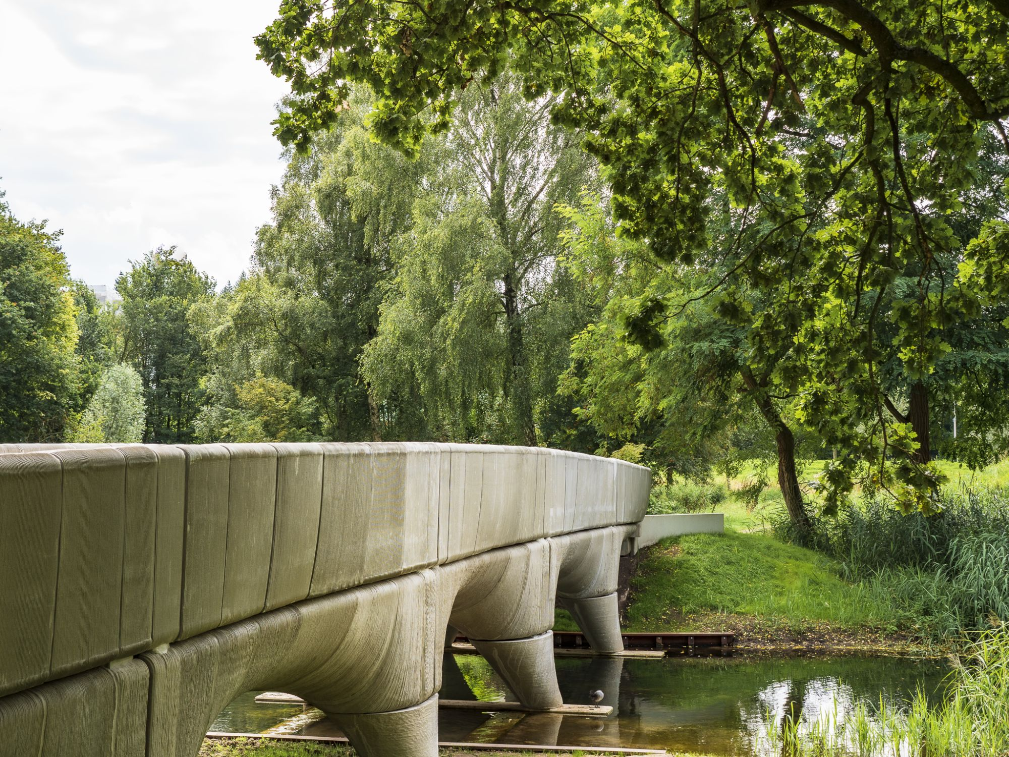 The 29-meter 3D printed bridge. Photo via Municipality of Nijmegen/Michiel van der Kley.