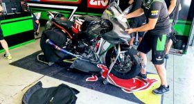 The Kawasaki motorcycle with its carbon fiber fairing. Photo via Kawasaki Puccetti Racing.