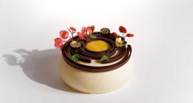 "3D printed chocolate ""labyrinth cake"". Photo via byFlow."